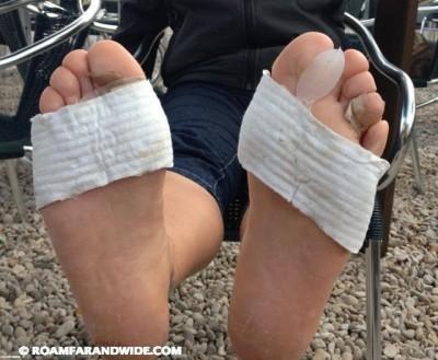 Laura's feet