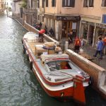 Package delivery in Venice